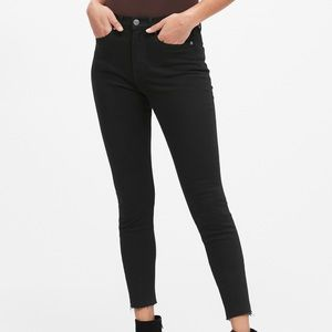 Black High-Rise Skinny Fade-Resistant Ankle Jean